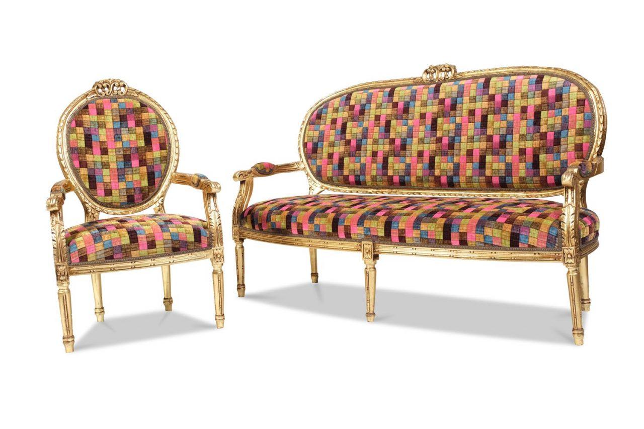 Sitzgruppe bestehend auseinem Sofa und zwei Armlehnsesseln Frankreich um 1880
